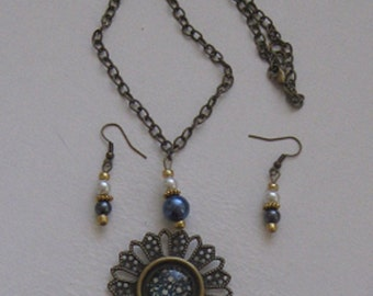 Medium Blue Antique Gold Necklace/Earring Set