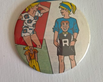 Archie's Fashion Show Vintage Betty Cooper Comic Pinback Button --- American Archie and Friends --- 1990's Teenage Divas Style Accessory Pin