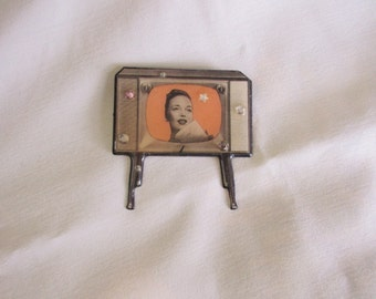 """Vintage """"Designs from the Deep"""" Retro Television Pin - DFTD"""
