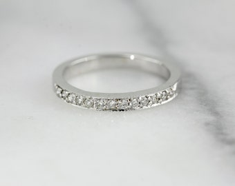 White Gold Pave Channel Top Vintage Wedding Band F4NN32-D