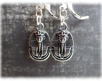 Kleopatra - silberfarbene Ohrringe mit Brisuren