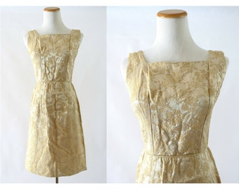 60s Cocktail Dress Gold Brocade Beige Shimmer Shift 1960s Sleeveless Size Small