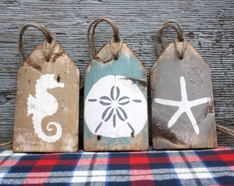 Beach Tag Set Wood Beach Sign Beach Decor Rustic Distressed Starfish Seahorse Sand Dollar Beach House Decor