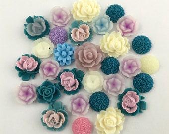 30 flower cabochon flower mix ,12mm to 18mm #FL12-1