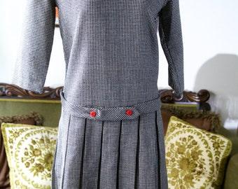 1920s style dress, flapper