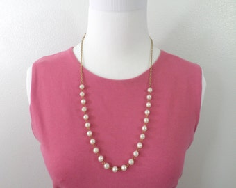 White Pearl and Gold Chain Necklace Simple Single Strand Lightweight Pearl and Cable Chain Vintage Pearl Necklace Jewelry