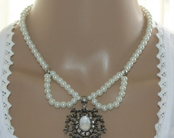 Dirndl necklace with pearls