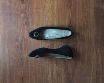 80s black suede pumps / suede leather wedge shoes / black Ferragamo pumps 8