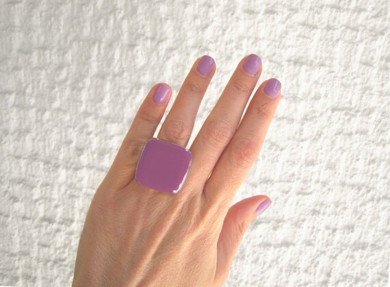Lilac ring, violet resin ring, purple glass ring, amethyst ring, big chunky square ring, modern minimalist, color block jewelry
