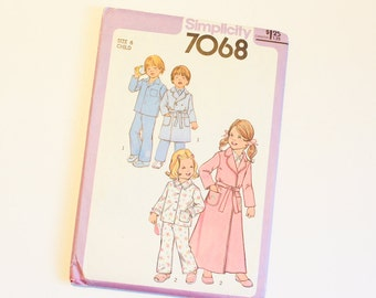 SIZE 6 PAJAMAS & ROBE 7068 Child Childrens Uncut Simplicity Sewing Pattern 1977 1970s Vintage House Coat Lounge Wear Pockets Boys Girls