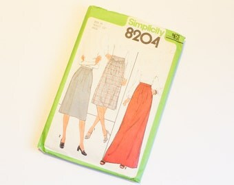 SIZE 10 8204 WOMENS Simplicity Sewing Pattern Skirt with Waistband Waist 25 1977 1970s Vintage Women's Straight Seventies Retro