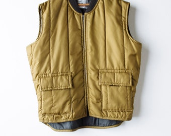 Walls Gold Quilted Vest  - Men's Insulated Camping Vest - Extra Large