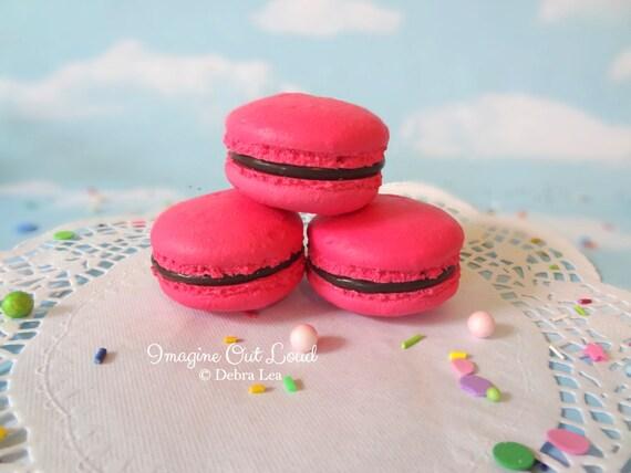 FAUX MACARON Set Raspberry Pink and Chocolate