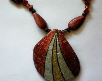 Painted Gourd Chip Pendant Necklace - 4827