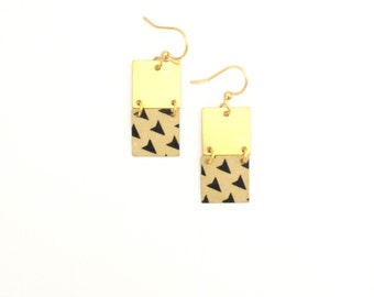 Style geometique | Golden earrings two squares pattern black and white triangle - handmade