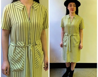 1970s Day Dress // Shirt Dress // Vintage Striped Short Sleeve Dress with Peter Pan Collar Small