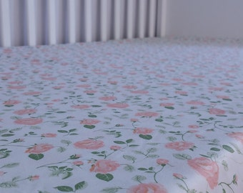 "Crib sheet, Fitted crib sheet, ""small rose"", baby bedding, cot sheet"
