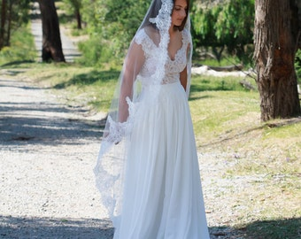 MARY-ANNE | Mantilla Veil, Drop veil,  tulle veil, veil, mantilla, traditional veil
