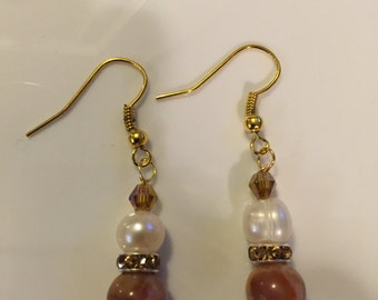 Freshwater pearl and earth brown agate dangle earrings