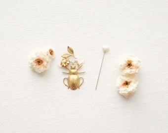 Insect groom boutonniere, Wedding buttonhole, Enthomology, Groomsmen boutonniere, Gold boutonniere, Wedding accessory, Unique Groom Pin