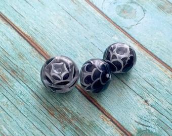 Black  flower bead  handmade lampwork glass bead