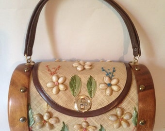Vintage Straw and Shell Embroidered Purse by Whidby