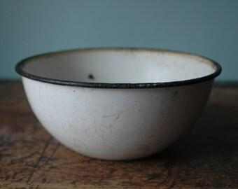 Medium White Enamel Bowl Metal Black & White Distressed Rustic Farm Barn Old Retro Vintage Kitchen Bowl
