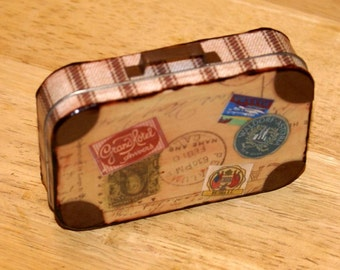 Altered Altoid Tin Suitcase