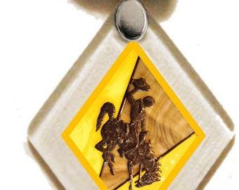 Pendant Wy Bucking Horse & Rider(TM) Gold, rescued window glass