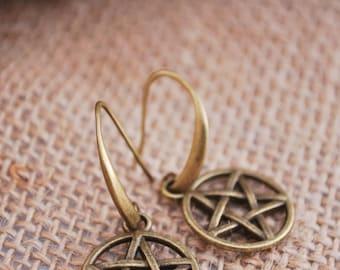 FREE SHIPPING! Pentagram jewellery, pentacle earrings, pentagram charm, supernatural jewelry, witchcraft, satanic pendant, wicca jewelry