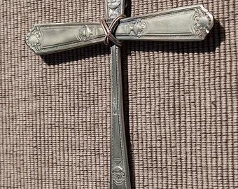 Vintage Silver Plated Silverware Cross CR013