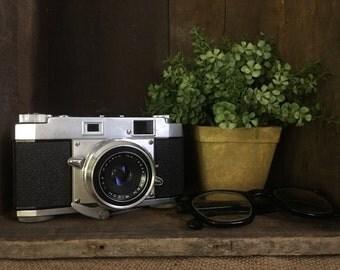 Vintage Ricoh 35 S Camera, 1957, Home Decor or Prop.