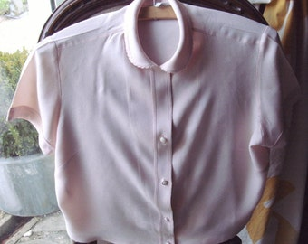 "1950's BERNELLA+label-Quality pretty,baby pink-col. thick""crepe""-style mat.blouse+""PETER PAN""collar. Bust size 37""/38""Cherished by one owner"