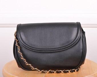 Summer Sale: Vintage Black Faux Leather Purse/ Crossbody/ Bag/ Gold/ Chain