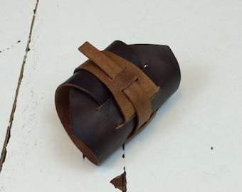 Premium Rey-style Bracer (Wrist Cuff)