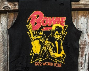 Distressed Custom Cut Bowie 1972 World Tour Cropped Shirt
