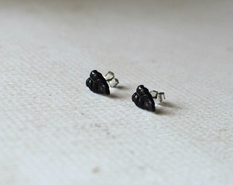 Tiny Leaf Earring Studs- Black Earrings- Titanium Leaf Earrings- Black Leaf Studs- Hypoallergenic Earrings- Tiny Earrings- Small Leaf Studs