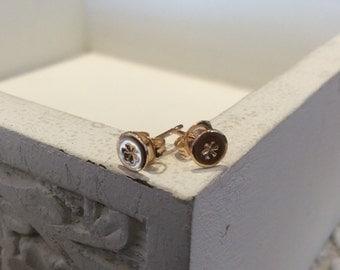 Gold Daisy stud earrings, Dainty stud earrings, gift for her,