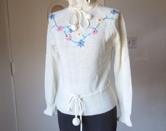 Vintage 80's Pullover Sweater, Floral Embroidered Knit Pullover, Ruffled Turtleneck, Long Sleeve, XS to Small
