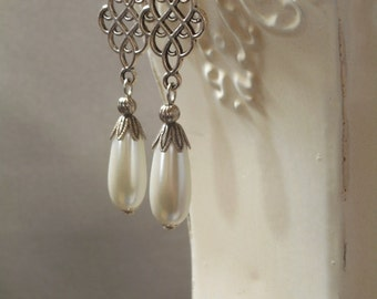 Outlander Pearl Earrings - Medieval Jewelry - Assemblage Earrings - Reign Jewelry - Renaissance Jewelry - Tudor Reproduction Jewelry