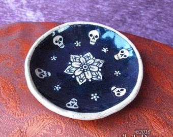Tiny Skull Dish