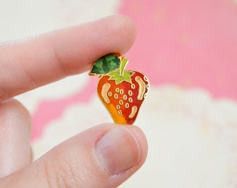 Vintage Strawberry Pin - Enamel Pin - Vintage Lapel Pin - Cloisonné Pin - Pin Game - Fruit Pin - Tie Pin - Pin Badge