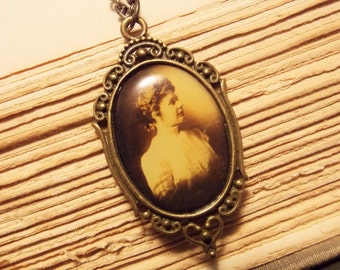 Vintage Cameo Necklace