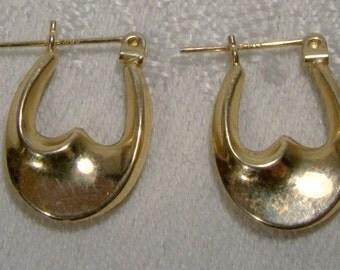 14K Wave Hoop Earrings 1980s 14 K Pierced