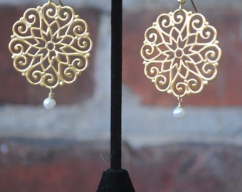 Gold Lace Dangle