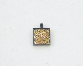 Handmade bezel necklace pendant keychain gold glitter fly