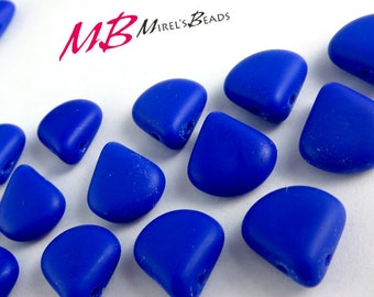 15 pcs Royal Blue, Czech Glass Beads, 12x11mm Blue Briolettes