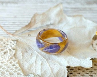 eco resin ring Eco flowers REAL FLOWER RING nature inspired engagement rings botanical handmade jewelry Eco Friendly Everyday Jewelry gold