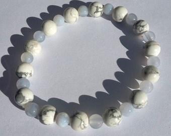 White Howlite and blue Agate stretchy bracelet
