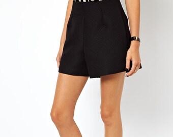 Vintage High Waist Black Ovid Texture High Fashion Avant Garde Shorts Size Small